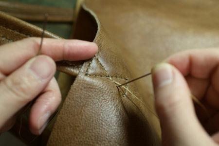 【製作風景】KUDU革からバッグが生まれてくる過程